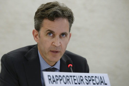 David Kaye, Special Rapporteur on the promotion and protection of the right to freedom of opinion and expression speaks at the Human Rights Council. 17 June 2015. UN Photo / Jean-Marc FerrŽ